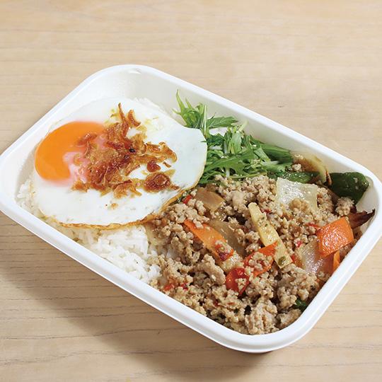鶏ひき肉のガパオ炒めご飯